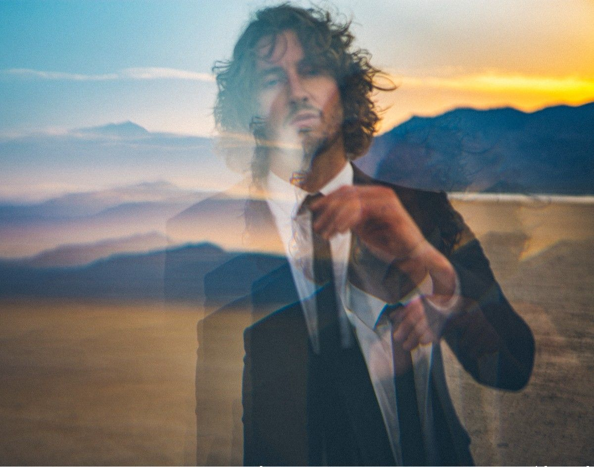 Dean Lewis Announces 'Live & Unplugged; A Global Live Streaming Event on April 30th