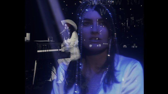 Watch Isabella Manfredi's Live Video for 'Sleepwalking'
